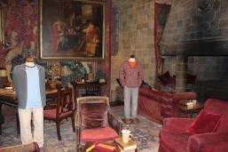 I wanted to curl up in a chair and spend the rest of the day right here...Gryffindor common room.