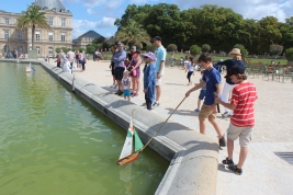Sailing boats at the Palace of Luxembourg