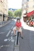 Frog jumping in Paris.