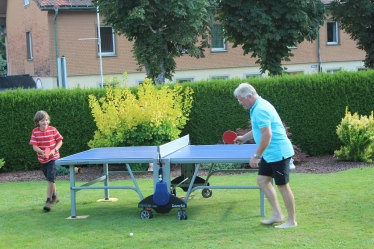 Jo and Ralf playing some table tennis.