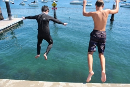 Meeting up with some friends and doing some pier jumping :)